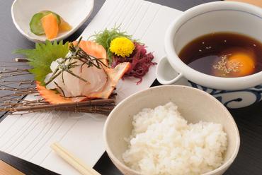 愛媛の美味しい郷土料理『名物 かどやの宇和島鯛めし』