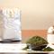 まずは静岡県産の緑茶でおもてなし。心が癒されます