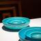 テーブルクロスに鮮やかに浮かび上がる美濃焼きの和皿