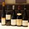 ソムリエの好みのほか、料理に合わせた約200種のワインを厳選