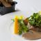 セップ茸で秋の香りを引き出した『ホロホロ鶏とフランス産シャテーニュの栗とマッシュルームの包み焼き』