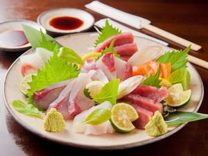 ぷりっぷりの鮮魚の旨みを堪能! 『お造りお得な3種盛り合わせ』
