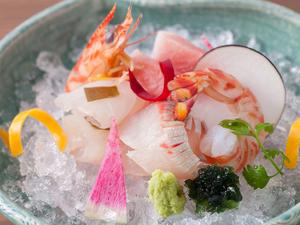 身の締まった新鮮な魚介を、美しく盛った『五種盛り』