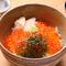 すしランチ(小鉢三品、寿司七貫、赤出汁)