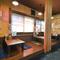 ノスタルジックな雰囲気の店内は、昭和の居酒屋のような佇まい