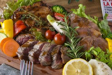 グラム特製4種の肉盛り