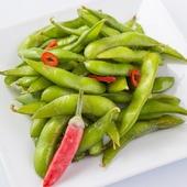 ぺペロンオイルで仕上げた枝豆