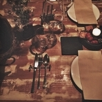 ぬくもりのあるアンティークの家具と照明に囲まれて、美味しいお料理とお酒を心ゆくまで味わえます。特別な日を演出する大人のデートにもぴったり。大事な人を連れていきたい、とっておきの一軒です。
