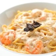 濃厚な魚介の旨味を存分に味わう、贅沢な逸品『ウニとオマール海老のダシでつくるクリームソース』