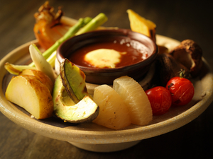 味噌ベースのソースが美味『炭焼き野菜の和風バーニャカウダ』