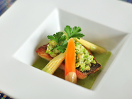 食材に合う調理法で、ソースも素材に合わせる『旬の魚の料理』
