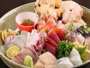 活〆の松川鰈やツブ貝など、前浜で水揚げされる鮮度のよい魚を、その魚に合わせた切り方や食べ方で提供してくれます。新鮮な魚ならではのプリプリ食感がたまりません。