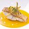 季節のおすすめ鮮魚を使用。『鮮魚のサルタート 有機人参のスープ仕立て』