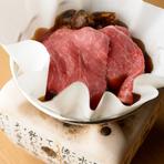 お肉の旨みと香りのハーモニーが広がる『能登牛と松茸の紙鍋』