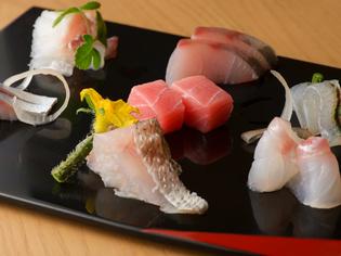 季節ごとに替わる新鮮な魚介類や地元で採れる農作物