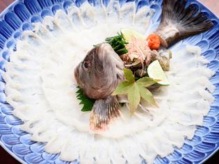 入荷困難といわれる、珍しい「鮮魚の刺身」をご堪能ください