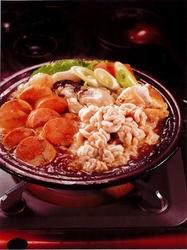 プリン体たっぷり!具材がてんこ盛りの人気鍋です! 料理7品 飲み放題90分付になります。