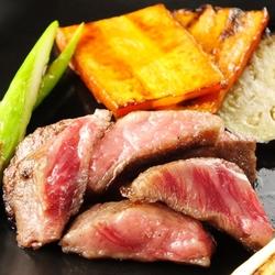 イタリアンをベースに鉄板焼きやお肉料理も楽しめる飲み放題付記念日コース!