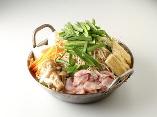 『希少ハラミの鶏鍋』の4種類の鍋スープは全て店で手づくり