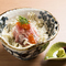北陸から直送の新鮮な魚介類がたっぷりの『海鮮丼』