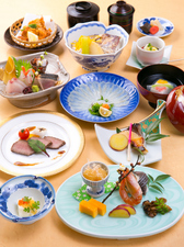 五感に訴える繊細な日本料理が揃った『会席料理』
