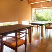 柔らかな木のテイストを基調とする、細部までこだわった快適空間