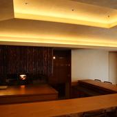 美味しい料理とお酒を自然に楽しめる空気感も魅力です