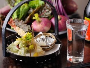 地魚や地野菜、味噌など地元食材を中心に上質な食材を厳選