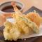 さくさく軽い仕上がりの『天ぷら盛り合わせ』