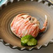 漁の解禁期間が非常に短く、希少な食材「香箱ガニ」