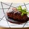 ジューシーな肉の旨みを存分に堪能できる『和牛ハンバーグ』