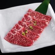 """当店のお肉は冷凍品ではなく""""生""""なんです! お手頃な価格のお肉でも""""生""""! なのでメニューにも""""生""""を表記しています"""