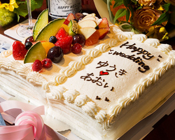 イチリュウの記念日ケーキがメインの量と質を充実させた2次会コース。 土日祝は15時から対応可能です。