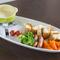 野菜やフルーツの専門知識を持つ店主がヘルシーな料理を提案