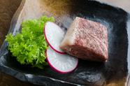 口当たりが良く柔らかい、まろやかな風味と豊かな肉汁が特徴の『仙台牛ステーキ』