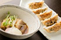 餃子とや豚の角煮で「米の娘豚」のおいしさを満喫