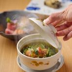 あたたかく、優しい和風だしの蟹あんと、香ばしい胡麻豆腐が絶妙な美味しさ。
