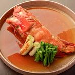 こちらもその日入ったお魚を煮魚でご提供しています。あっさりとふっくら炊いたお魚は日本酒にぴったりです。