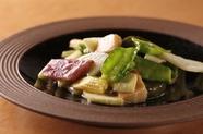 彩り豊かな旬の無農薬野菜を使った『いろいろ野菜炒め』
