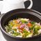 カニやとびっこなど海の幸を味わえる『海鮮入り土鍋チャーハン、上湯スープ添え』
