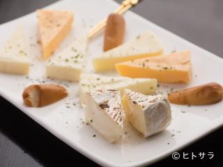 酒の肴に最適『チーズ盛り合わせ』