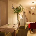 ヨーロッパの邸宅の様な洗練された雰囲気の中、素敵なデート