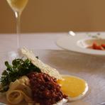 葉山牛とポルチーニ茸のタリアテッレ  パルミジャーノチーズのザバイオーネ添え