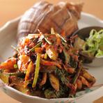 真つぶと香味野菜の辛い和え物