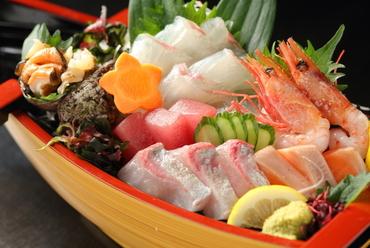 四季折々の「旬」を味わえる『漁師舟造り』