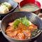 親子丼(サーモン、イクラ)