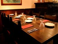 落ち着いた雰囲気の中で、食事が楽しめるレストラン