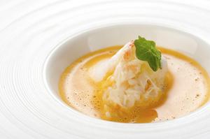 蟹の甘みに味噌のコクがプラス『毛蟹のリゾットとそのビスク』