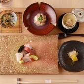シャリごと蒸して、餡とともに堪能する『ハマグリの蒸し寿司』
