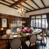 大正時代の厳かな雰囲気を感じられる「貴賓室」